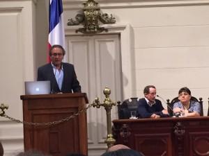 Dr. Zegers presentado en el Ex-Congreso Nacional
